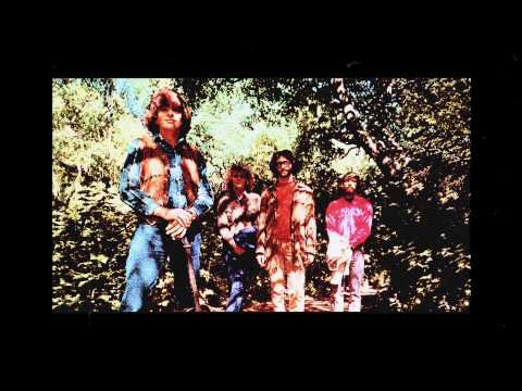 Creedence Clearwater Revival – Bad Moon Rising (1969)