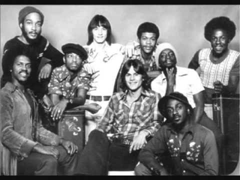KC & The Sunshine Band – Boogie Shoes (1978)