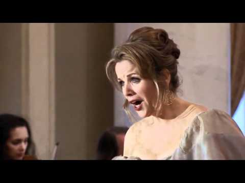 Renée Fleming: Vincenzo Bellini – Casta Diva (1831)