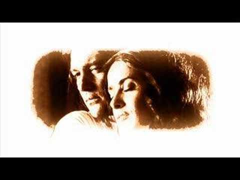 Salma Hayek – Siente Mi Amor (2003)