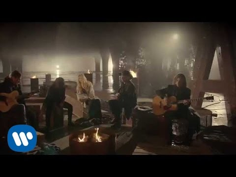 Maná ft. Shakira – Mi Verdad (2015)