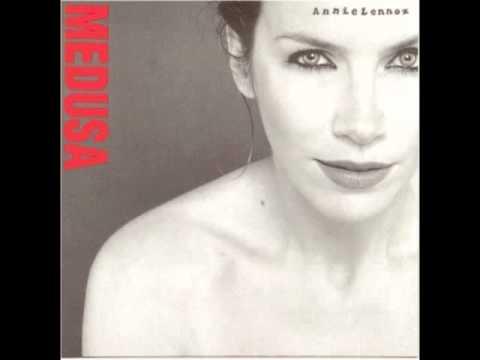 Annie Lennox – Train In Vain (1995)