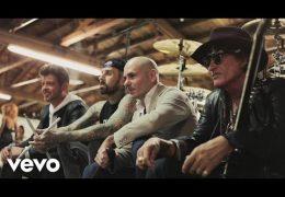 Pitbull – Bad Man ft. Robin Thicke, Joe Perry, & Travis Barker (2017)
